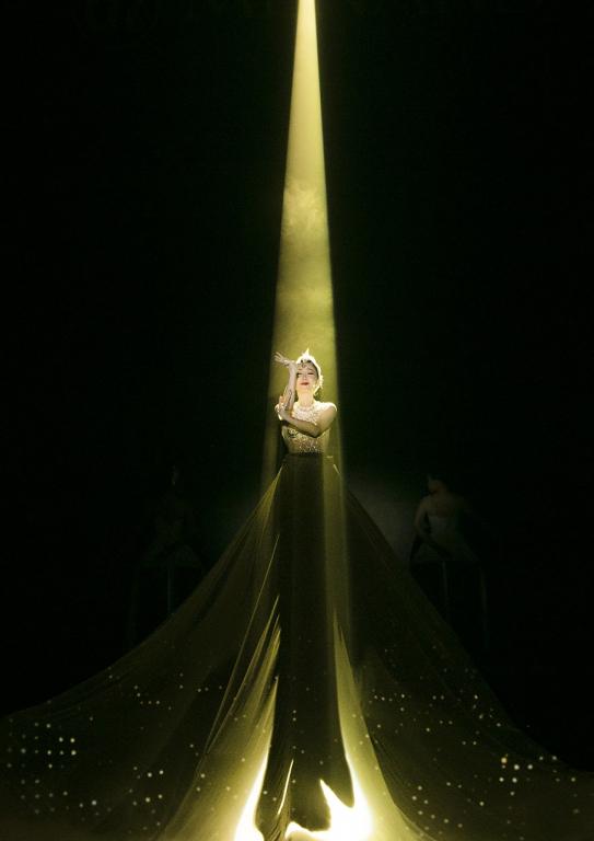 Hồng Nhung, Riyo Mori, Linh Nga tỏa sáng trong Đại nhạc hội Em Mơ - Hình 2