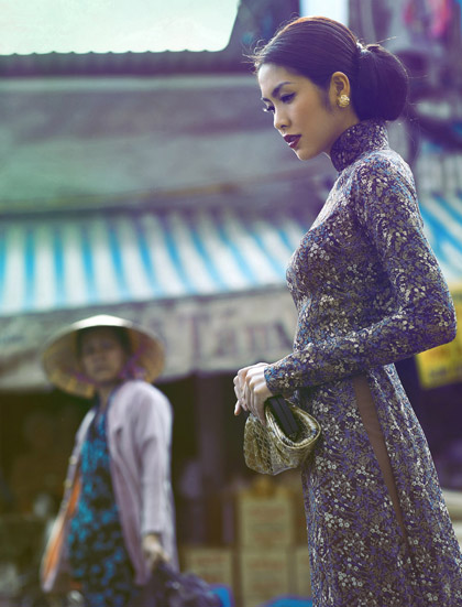 Tăng Thanh Hà mặc áo dài phong cách thập niên 60 mà vẫn trẻ trung, xinh đẹp hết phần thiên hạ - Hình 3