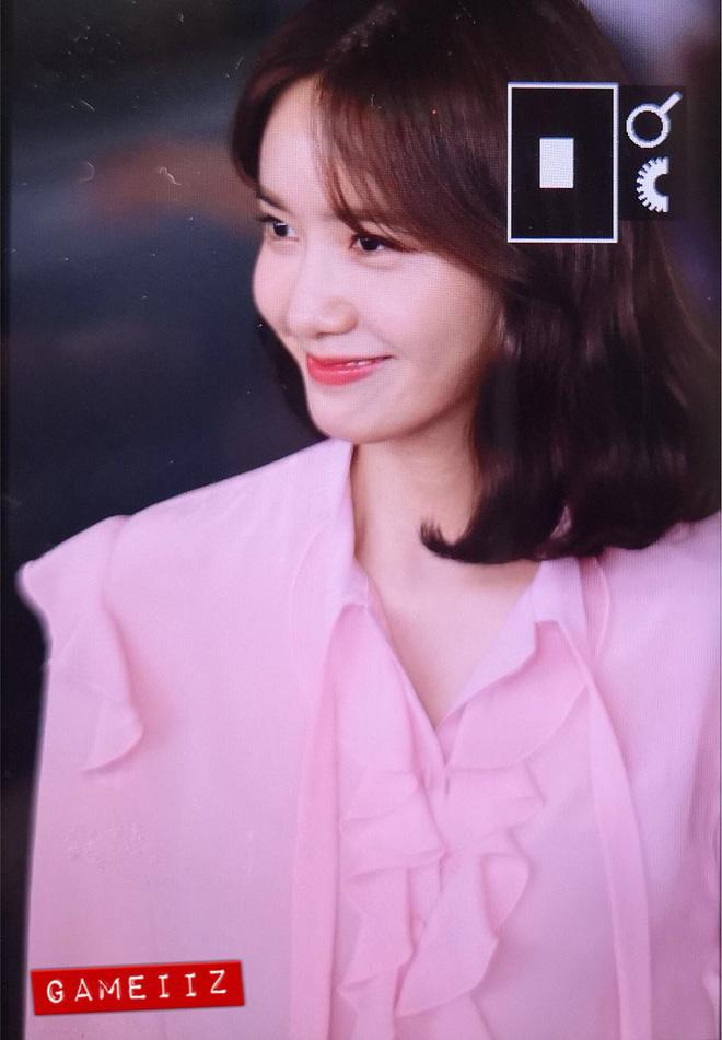 Xôn xao hình ảnh bóc mẽ nhan sắc lung linh của nữ thần Yoona - Hình 7