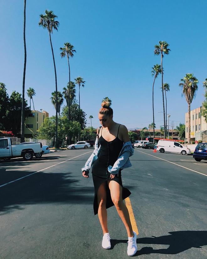 Hot girl bóng rổ Mỹ cao 1,8 m, thân hình gợi cảm như người mẫu - Hình 5