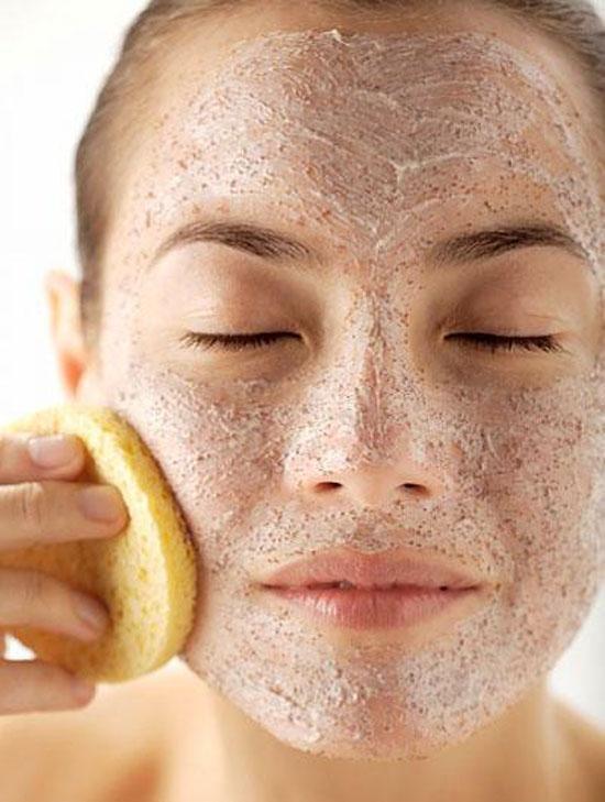 Chuyên gia nổi tiếng tiết lộ 5 thứ không được thoa lên da mặt, phụ nữ muốn đẹp nhất định phải biết - Hình 2