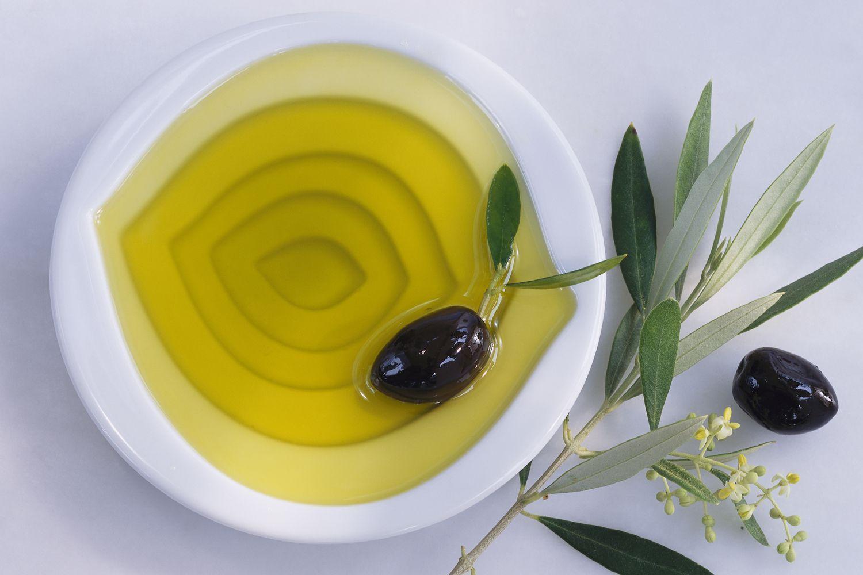 Dùng loại dầu này mát xa khuôn mặt mỗi ngày, da ẩm mịn, căng mướt như em bé suốt mùa đông - Hình 2