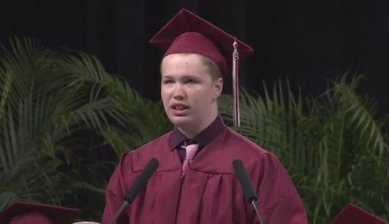 Nam sinh mắc chứng tự kỷ với bài phát biểu tốt nghiệp truyền cảm hứng mạnh mẽ - Hình 1