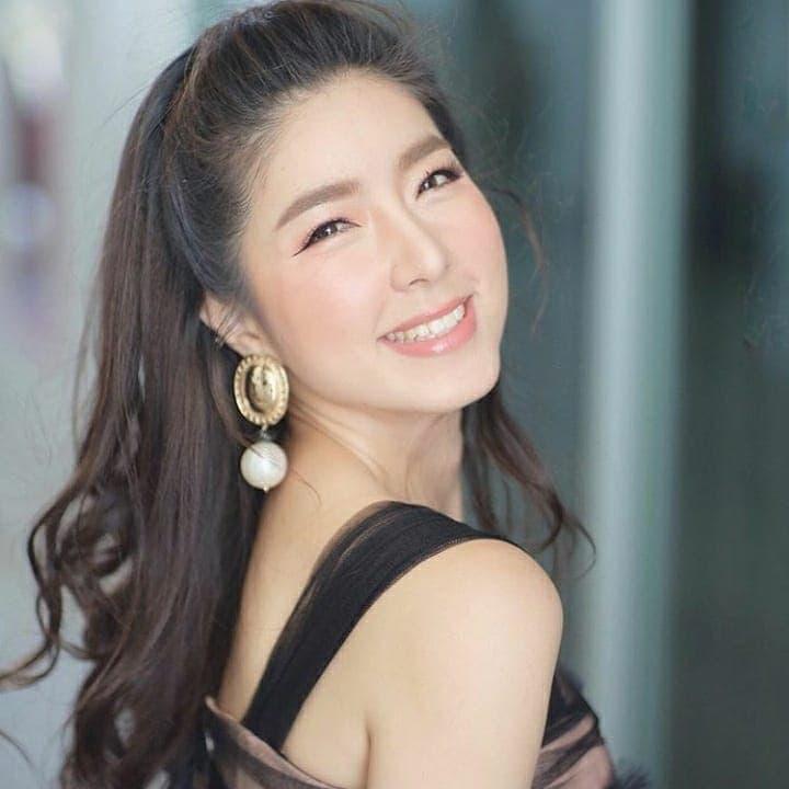 Showbiz Thái Lan tuần qua: Người hạnh phúc với bạn trai, người thông báo 'đường ai nấy đi', kẻ mang danh 'tiểu tam' - Hình 7