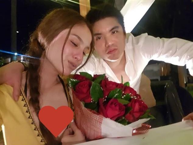 Showbiz Thái Lan tuần qua: Người hạnh phúc với bạn trai, người thông báo 'đường ai nấy đi', kẻ mang danh 'tiểu tam' - Hình 12