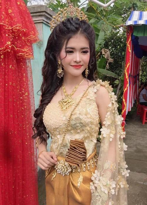 Xuất hiện thêm một cô gái dân tộc Khmer xinh hết phần thiên hạ khiến dân mạng tưởng nhầm con lai - Hình 1
