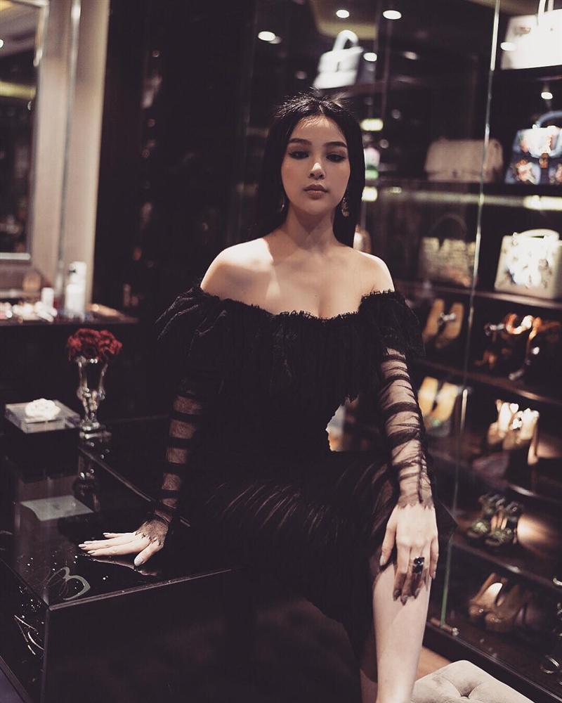 Nối gót Tâm Tít, Huyền Baby trở thành nữ hoàng đồ đen đẹp mà đẳng cấp nhất nhì Vbiz - Hình 10