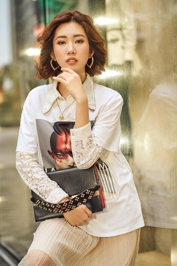 Thuý Ngân khoe gu thời trang cá tính, trẻ trung trên đường phố Sài Gòn - Hình 13