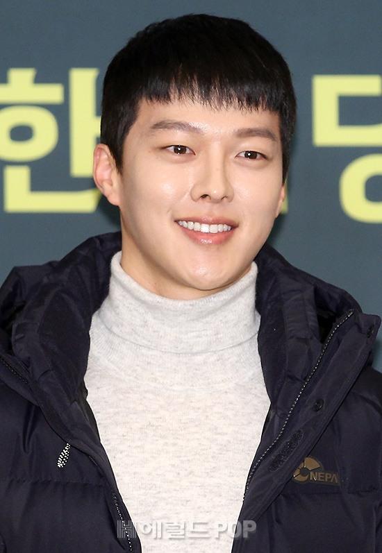 Xuất hiện cùng Jeon Ji Hyun, Jang Ki Yong được ship làm nam chính trong phim mới của mợ chảnh - Hình 14