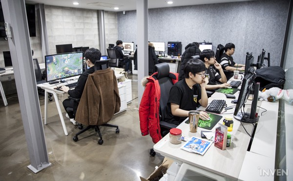 Gạt qua nỗi buồn ở CKTG 2018, Gen.G eSports ra mắt Gaming House hoành tráng giữa lòng Seoul - Hình 8
