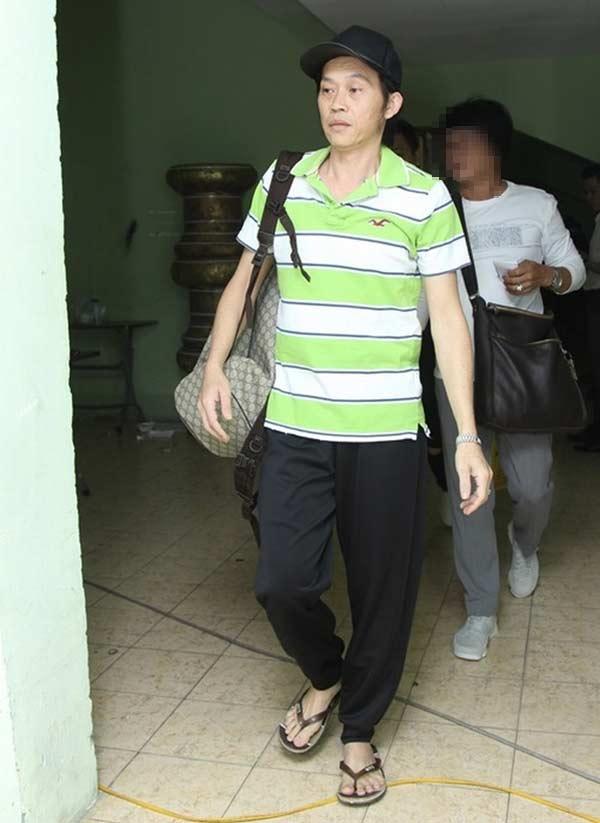 Giàu hiếm ai bằng nhưng Hoài Linh vẫn chỉ mặc áo thun bình dân - Hình 9