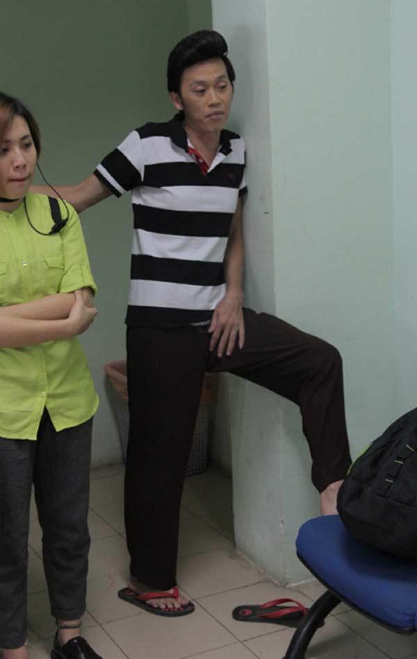Giàu hiếm ai bằng nhưng Hoài Linh vẫn chỉ mặc áo thun bình dân - Hình 3