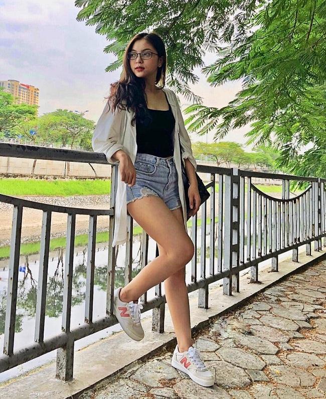 Người yêu Lâm Tây, Quang Hải: Ai mới là đệ nhất gợi cảm giới WAG Việt - Hình 12
