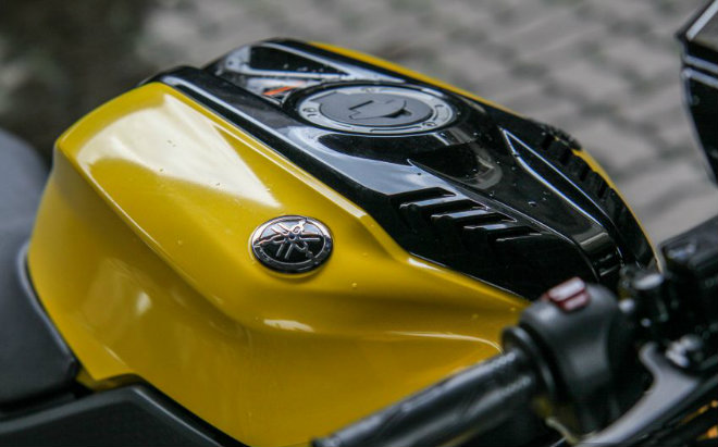 2019 Yamaha YZF-R15 giá 66,8 triệu đồng hút hồn giới trẻ - Hình 4