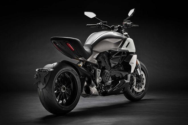 Phát mê trước 2019 Ducati Diavel 1260 cơ bắp, siêu tối tân - Hình 4