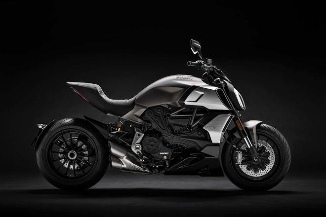 Phát mê trước 2019 Ducati Diavel 1260 cơ bắp, siêu tối tân - Hình 1