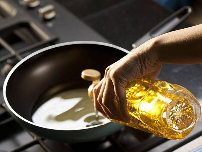 Những thói quen khi nấu nướng cần bỏ ngay để có món ăn tuyệt vời hơn - Hình 7