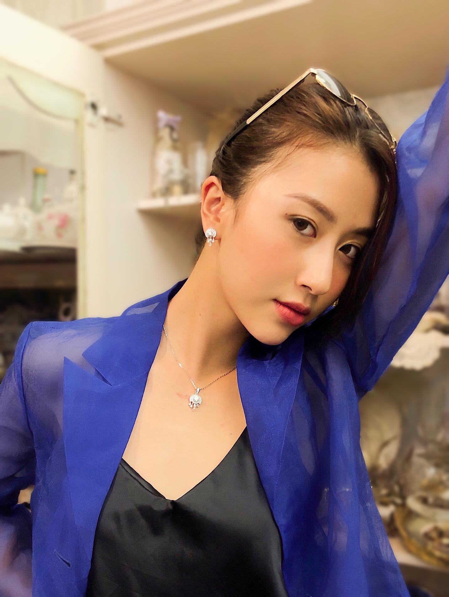 Phương Ly, Quỳnh Anh Shyn và loạt fashionista Việt khoe cá tính với trang sức bạc cực chất - Hình 7