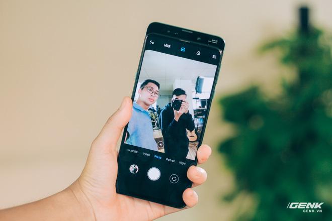 Mở hộp và trên tay Xiaomi Mi Mix 3 mới về VN: Thiết kế trượt độc đáo, cấu hình mạnh, tặng kèm sạc không dây - Hình 12