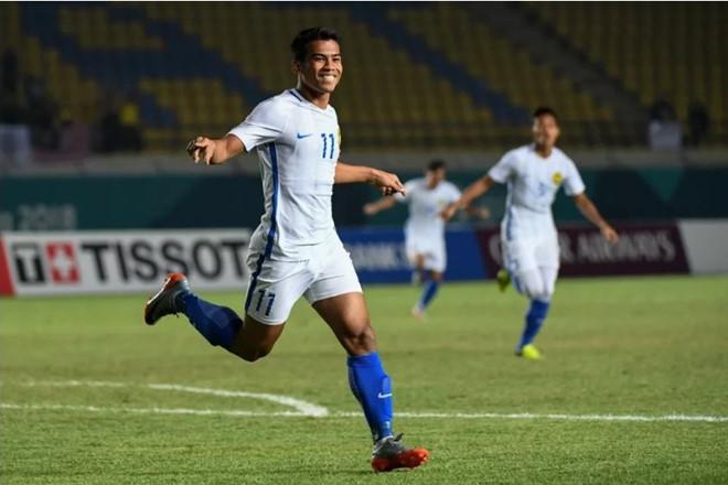 Cầu thủ Malaysia thanh minh sau lần giơ ngón tay thối ở Mỹ Đình - Hình 1