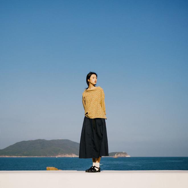 Ngẩn ngơ trước vẻ đẹp trong veo như nắng mai của cô bạn giống hệt nữ diễn viên Trương Bá Chi - Hình 4