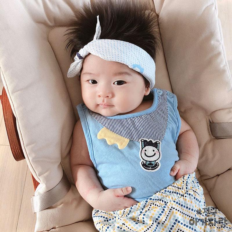 Cậu bé Hàn Quốc đốn tim dân mạng vì mái tóc chôm chôm quá đáng yêu - Hình 14