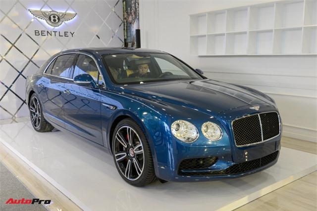 Ngắm siêu xe Bentley Flying Spur V8 S vừa ra mắt tại Việt Nam, giá gần 17 tỷ đồng - Hình 1