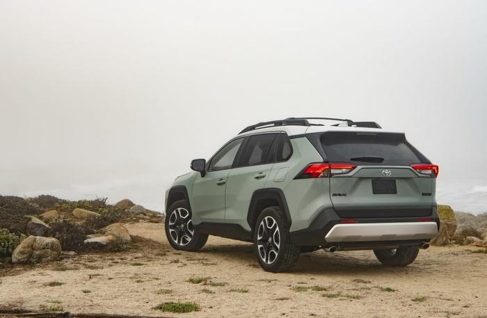 Toyota RAV4 2019 chốt giá bán từ 25.500 USD - Hình 5