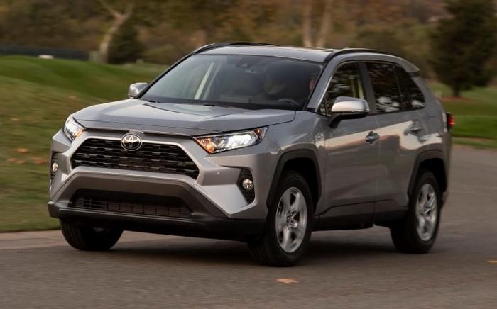 Toyota RAV4 2019 chốt giá bán từ 25.500 USD - Hình 3