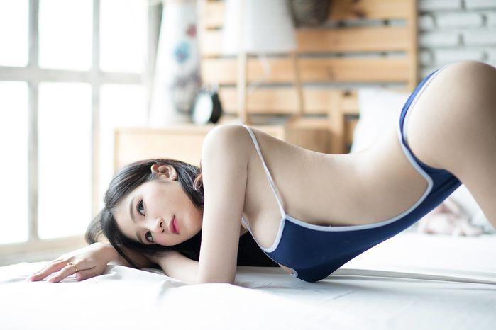 Thiên thần bra Sukanya Moey khoe thềm ngực căng mọng... - Hình 3