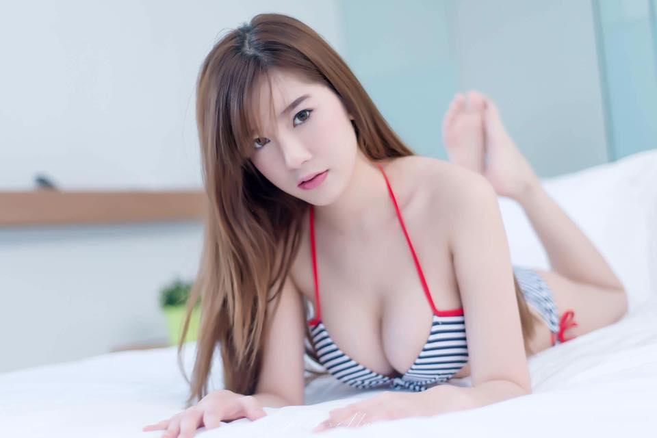 Thiên thần bra Sukanya Moey khoe thềm ngực căng mọng... - Hình 4