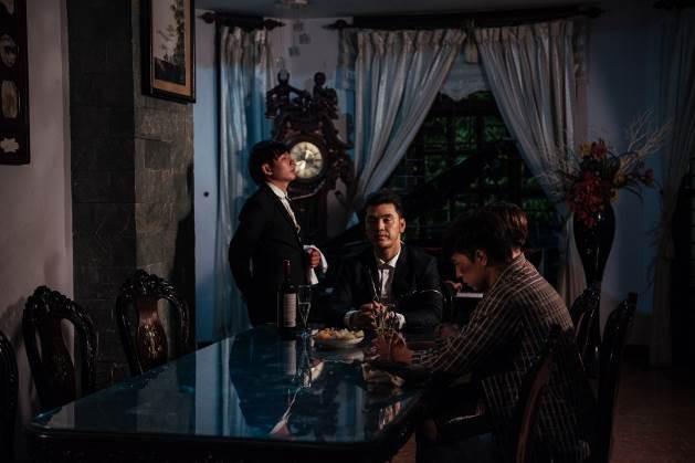 Cả showbiz Việt gần đây ai cũng trở thành trùm mafia từ phim điện ảnh đến web drama - Hình 12