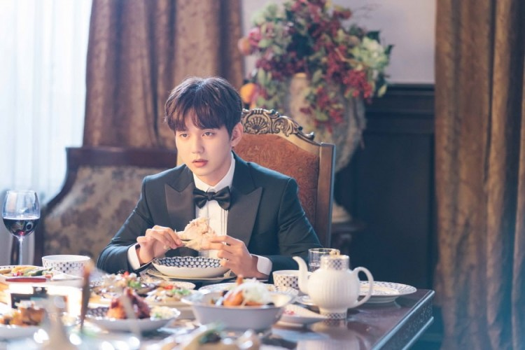 My Strange Hero: Em trai quốc dân Yoo Seung Ho hành nghề giả danh với ngoại hình đẹp nao lòng - Hình 3