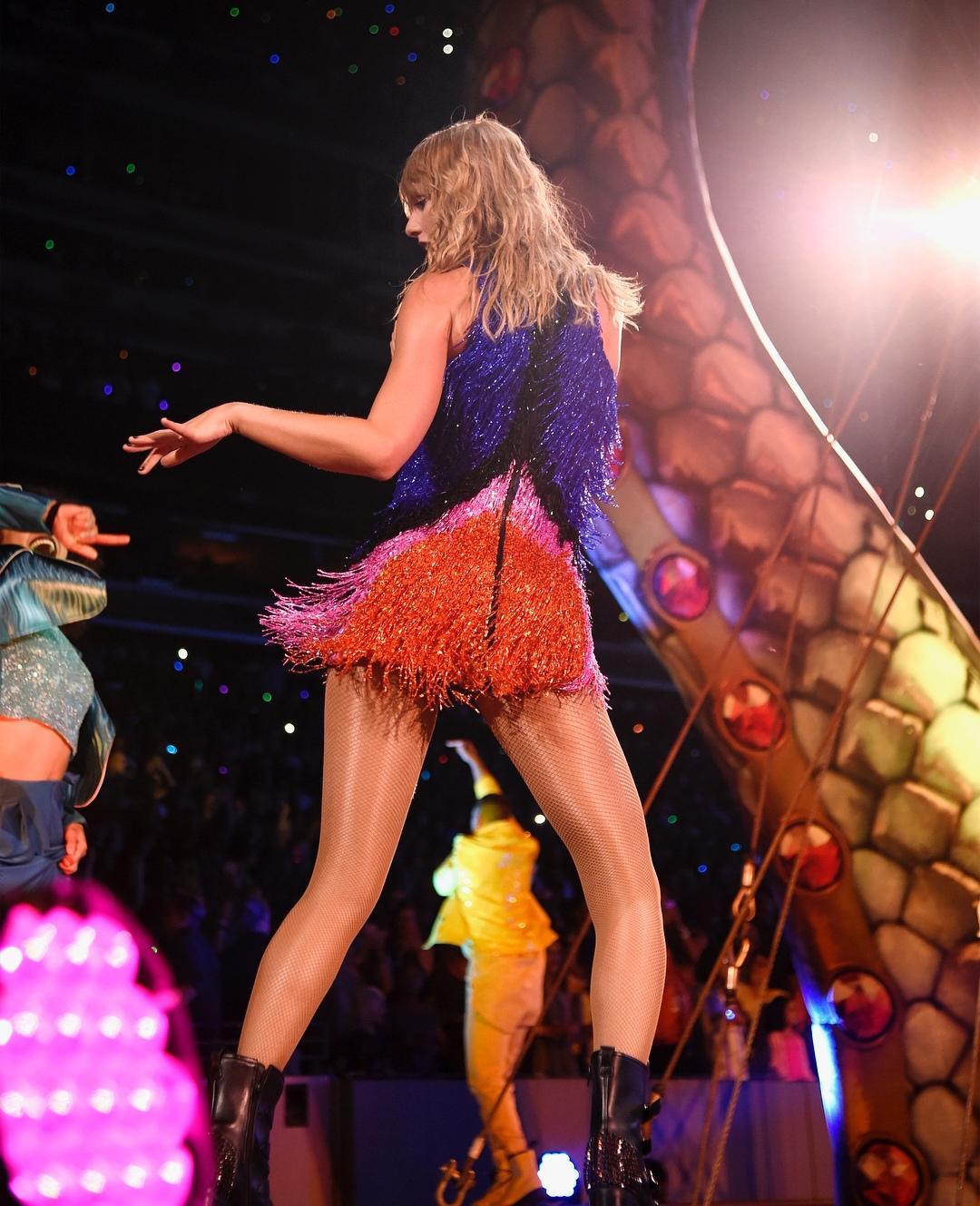 Sau khi kết thúc tour diễn Danh Tiếng trên đất Nhật, Taylor Swift thu về hàng tỉ USD - Hình 12
