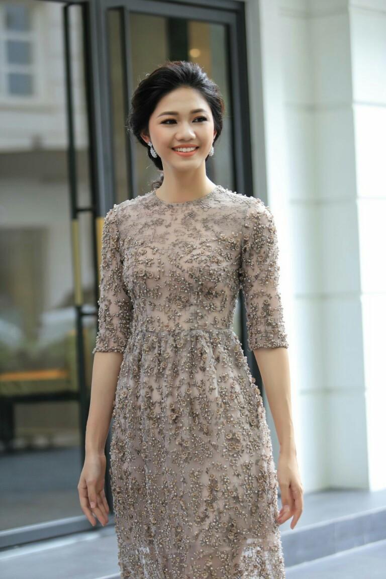 Ngọc Hân trải lòng về bộ áo dài đặc biệt thiết kế riêng cho Á hậu Thanh Tú trong lễ hỏi - Hình 12