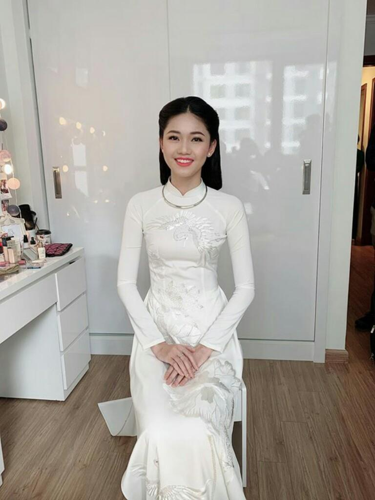 Ngọc Hân trải lòng về bộ áo dài đặc biệt thiết kế riêng cho Á hậu Thanh Tú trong lễ hỏi - Hình 3
