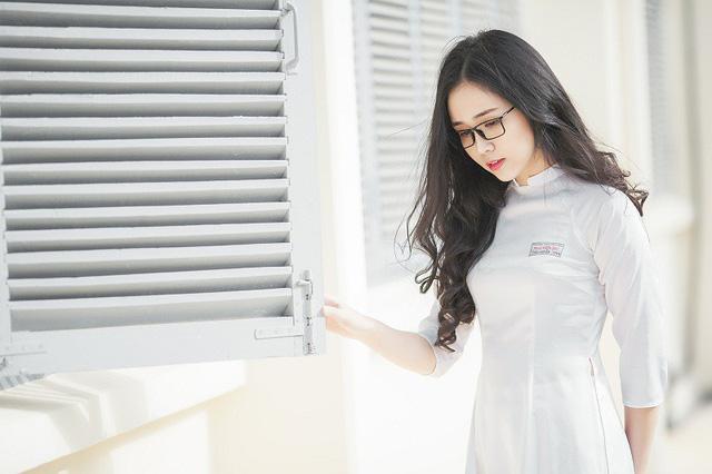 Nữ sinh 10X đẹp tựa thiên thần trong tà áo dài trắng - Hình 12