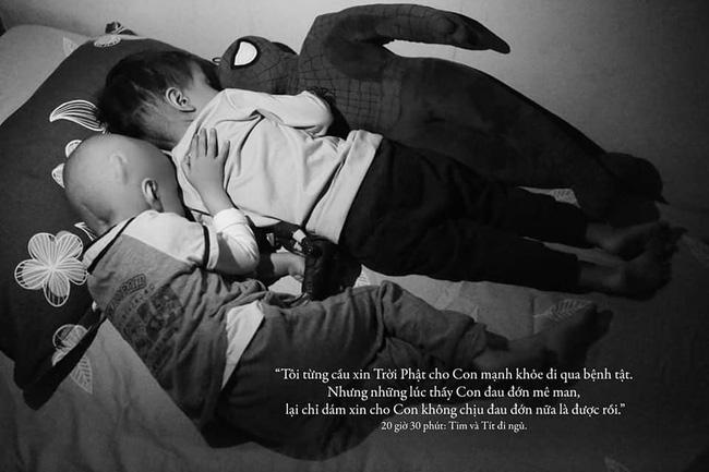 24 giờ của Tom - bộ ảnh xúc động của một người mẹ có con trai bị ung thư não khi mới 33 tháng tuổi - Hình 20