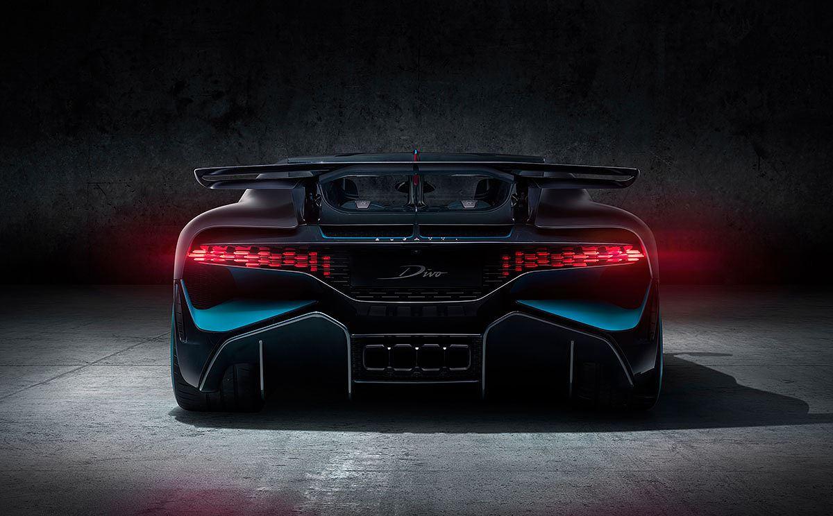 Cận cảnh siêu xe hypercar Bugatti Chiron Divo giá 135 tỷ - Hình 8