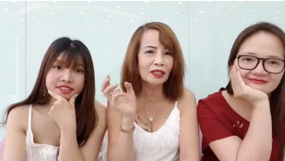 Cô dâu 61 tuổi ở Cao Bằng gây ngán ngẩm vì 'thời trang phang tuổi tác' - Hình 9