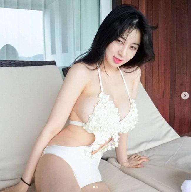 Đây là chân dung Hotgirl sở hữu khe ngực đẹp nhất Hàn Quốc - Hình 11