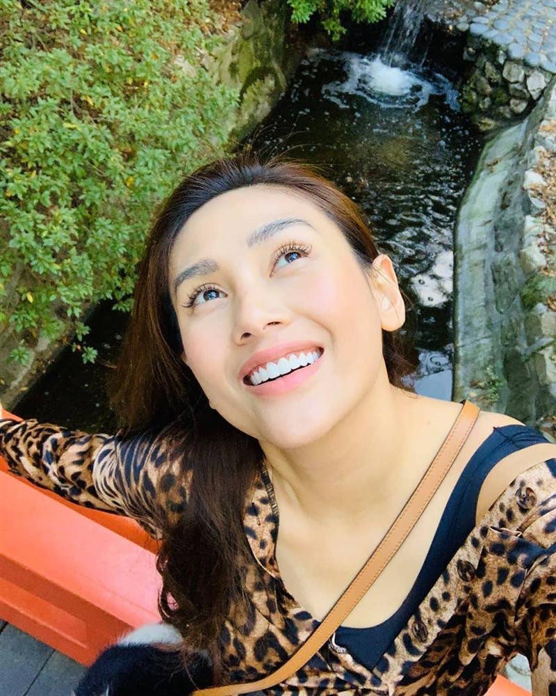 Hồ Ngọc Hà sánh đôi bên người tình Kim Lý điên đảo shoping mừng sinh nhật lần thứ 35 - Hình 12