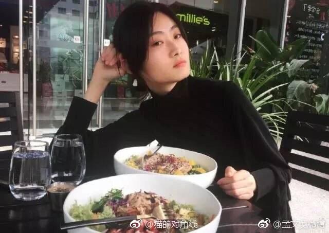 Netizen lùng sục thông tin về người mẫu đóng quảng cáo D&G gây tranh cãi, dấy lên làn sóng tẩy chay toàn Trung Quốc - Hình 10