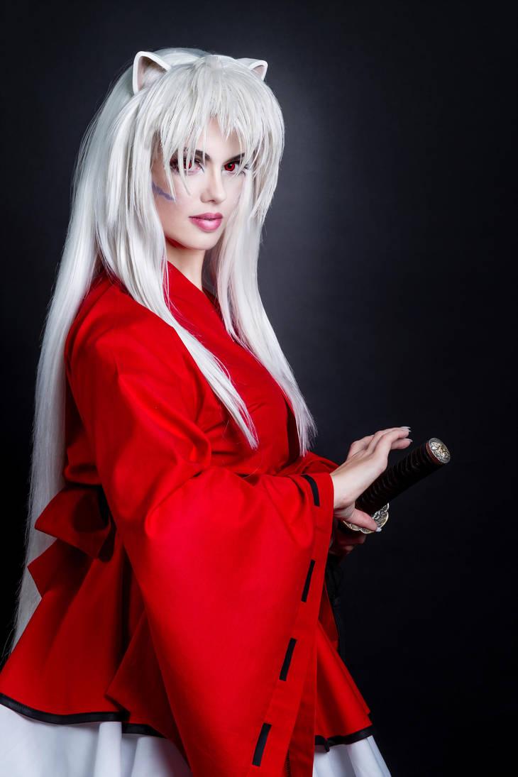 Ngao Khuyển Inuyasha - bán yêu trong bộ truyện cùng tên được cosplay với đôi tay nhuốm máu - Hình 3