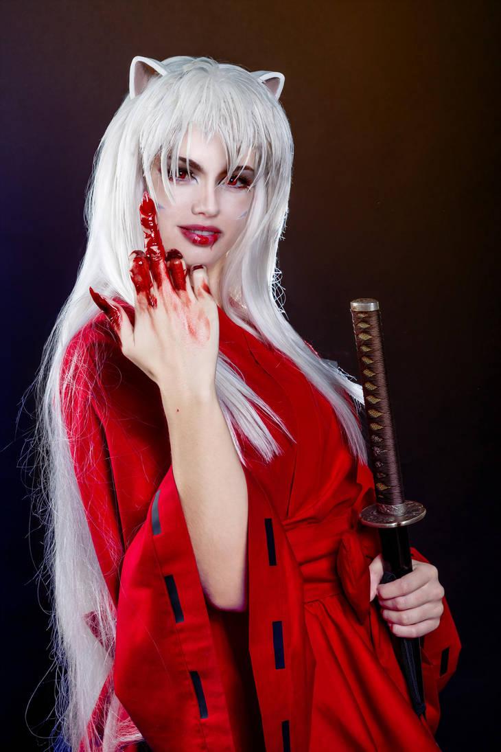Ngao Khuyển Inuyasha - bán yêu trong bộ truyện cùng tên được cosplay với đôi tay nhuốm máu - Hình 4
