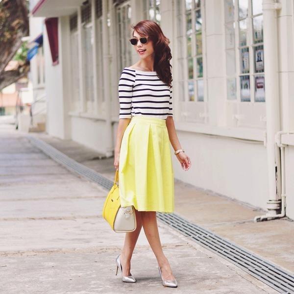 Phối đồ cực chuẩn với chân váy midi siêu dễ thương - Hình 4
