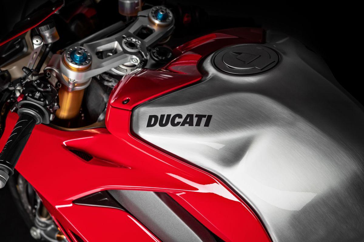 Siêu mô tô thương mại Ducati Panigale V4 R 2019 dát công nghệ xe đua - Hình 7