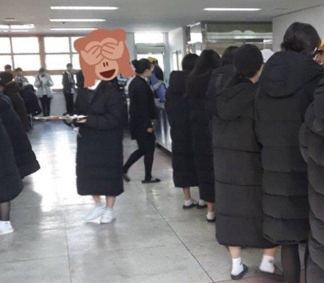 Sự thật tê tái: Thời trang mùa đông Hàn Quốc bao năm chỉ gói gọn trong 3 chữ này! - Hình 6