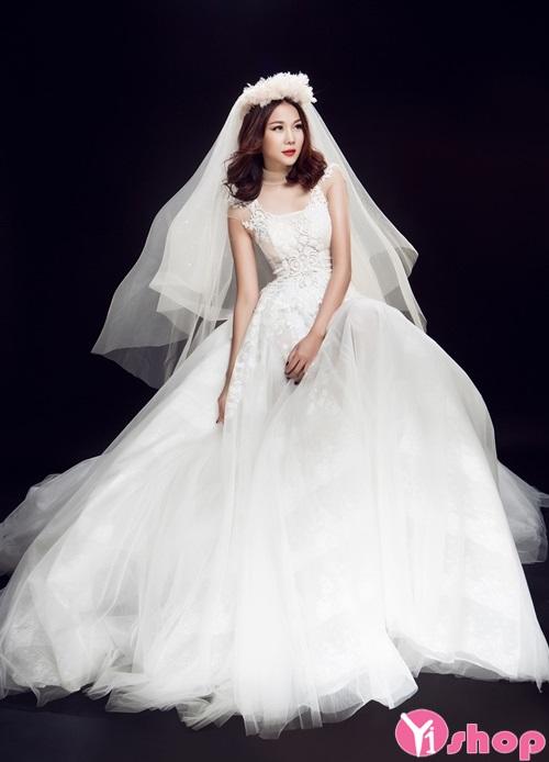 Váy đầm cưới xuyên thấu đẹp được cô dâu ưa chuộng - Hình 4
