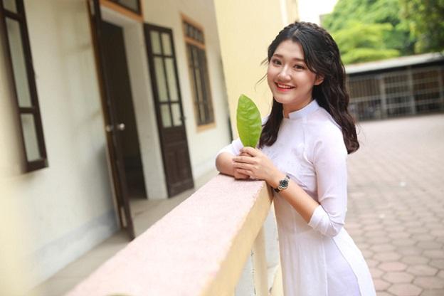 Điểm mặt dàn hotgirl xinh đẹp 9x Việt đời cuối đầy tài năng - Hình 14